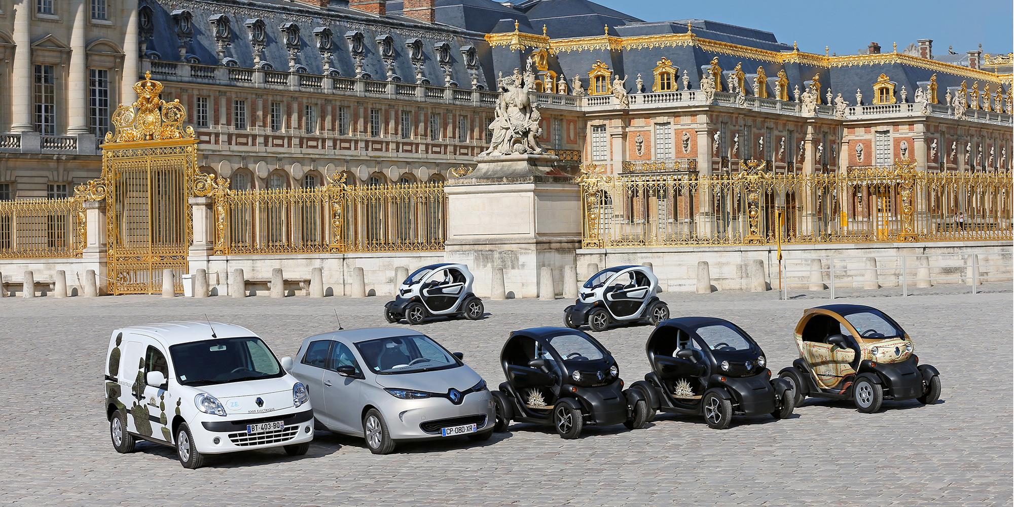 umweltfreundliche E-Fahrzeug am Schloss von Versailles