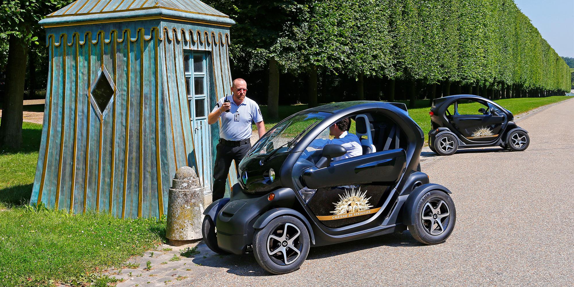 Twizy als Gärtnermobil im Schloss von Versailles
