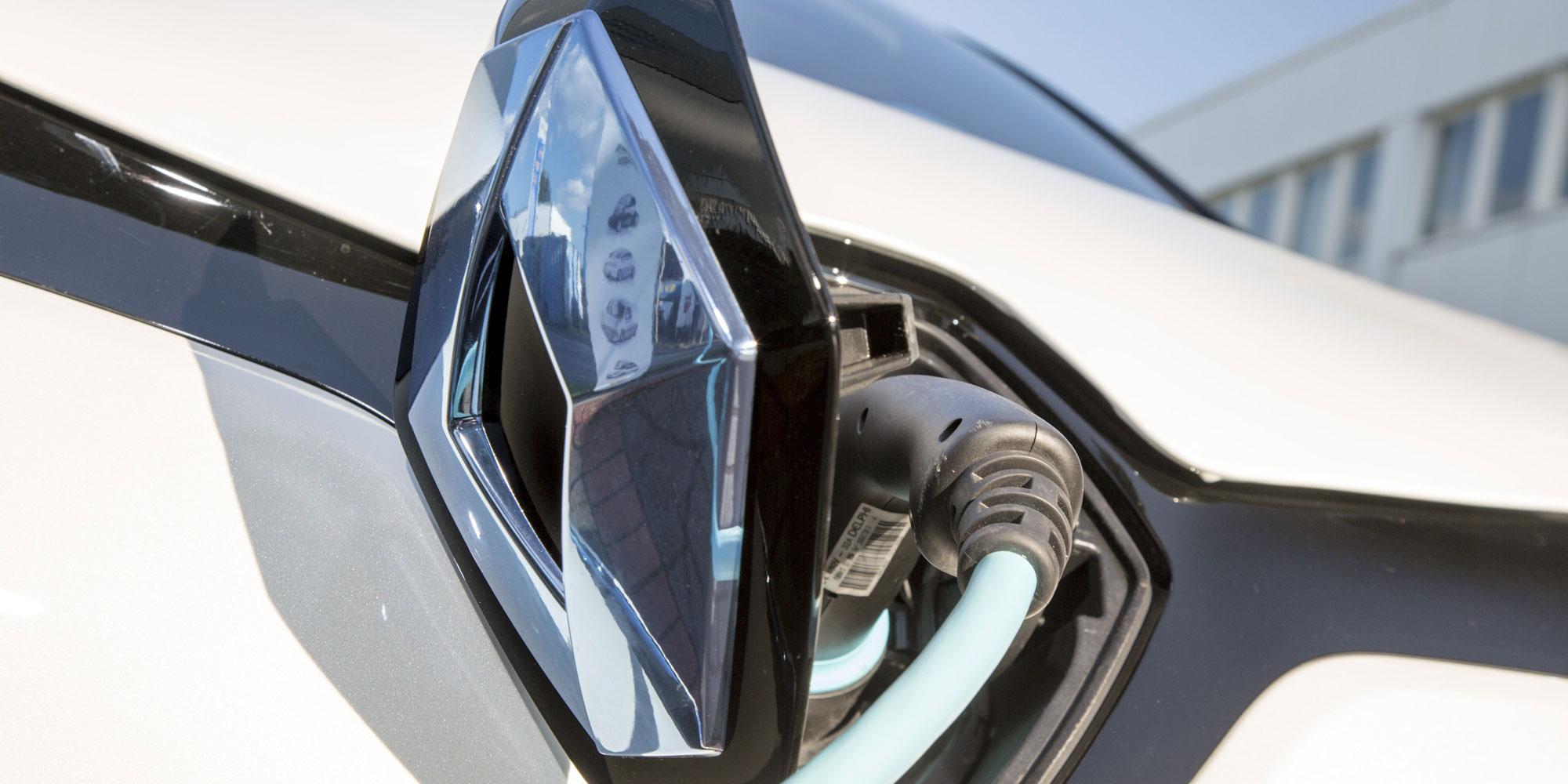 """Renault ZOE: Der """"König des heimischen Schnelladens"""""""