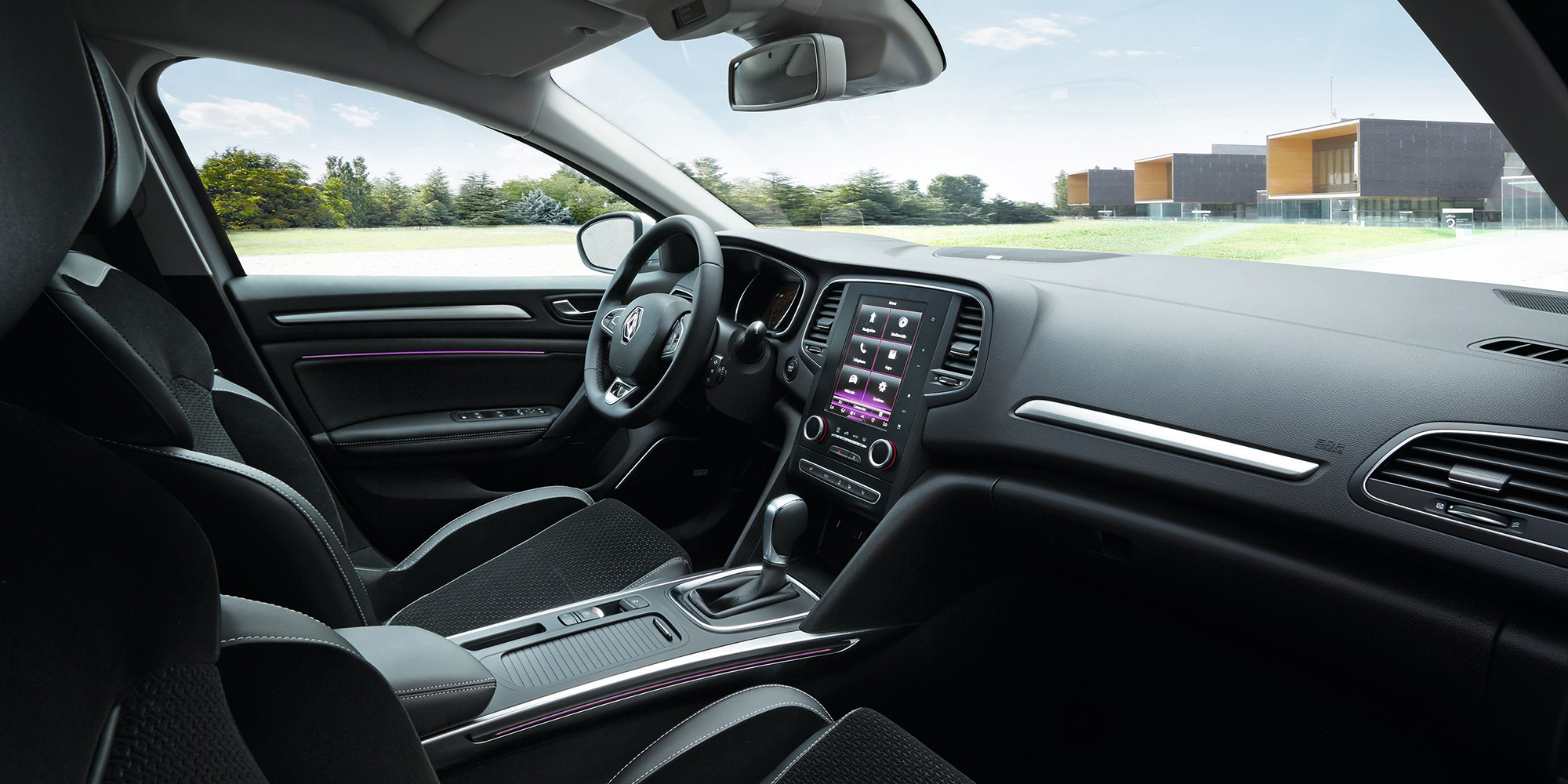 Renault MEGANE: R-Link 2® mit einem 8,7 Zoll Display