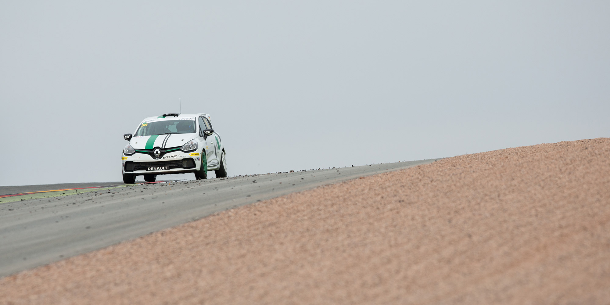 Clio Cup - 08-2016 - Calcum dominiert auch in Lauf zwei, Podest identisch mit erstem Rennen