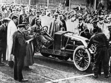 Rasantes Jubiläum: 110 Jahre GP-Siege mit Renault