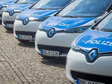 Elektrische Renault Z.E.-Modelle in Polizeiuniform