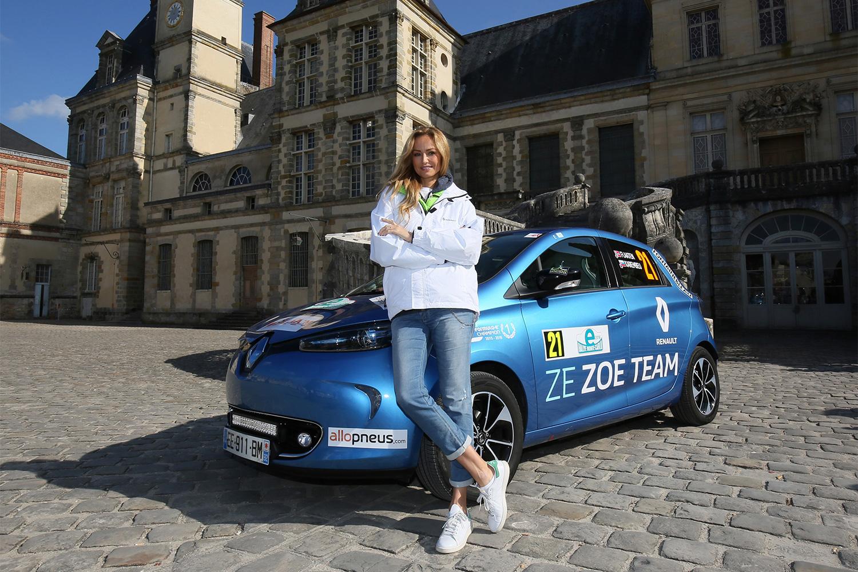 Stargast ins Rennen: Topmodel Adriana Karembeau.
