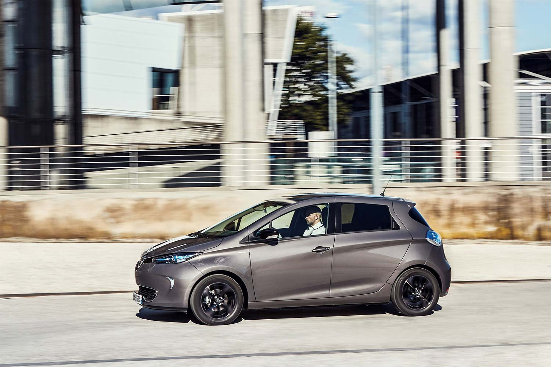 Renault ZOE unterwegs durch die Stadt