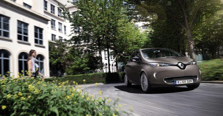 Fahrspaß und Sparspaß: Neuer ZOE begeistert Autotester