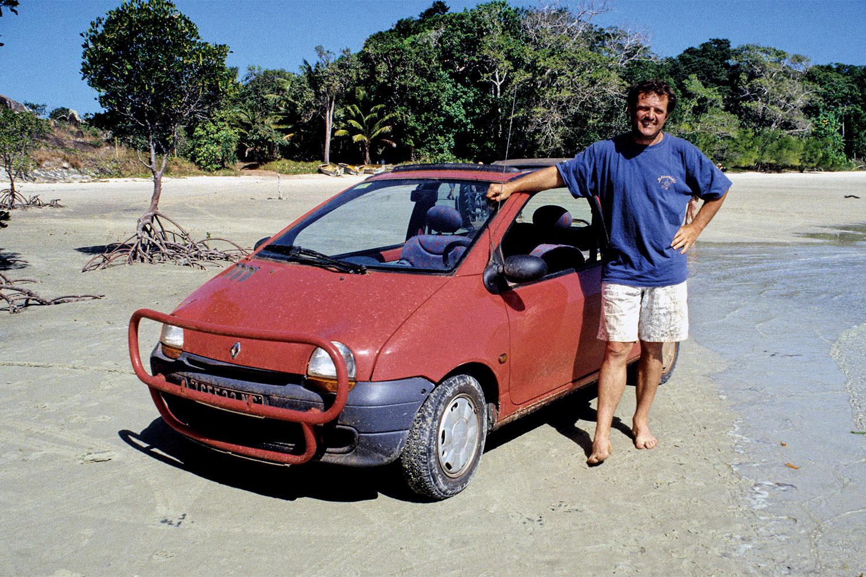 Jean Dulon mit seinem Renault Twingo