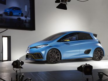 Elektrisierender Rennwagen: Prost testet ZOE e-Sport Concept