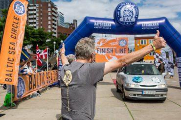 Mit dem Espace zum Nordkap: 8.200 km-Rallye für den guten Zweck