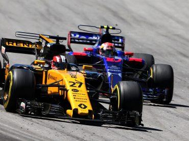Drei Renault R.E.17-Motoren in den Top 10