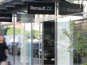 Renault eröffnet neues Electric Vehicle Experience Center in Berlin