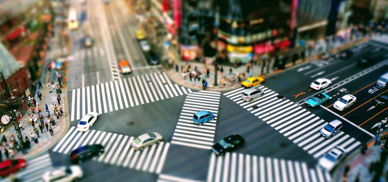Verkehrsregeln: Das sollten Sie vor der Fahrt ins Ausland wissen