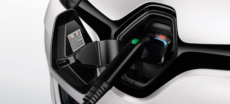 E-Auto aufladen: Preise, Ladedauer und mehr