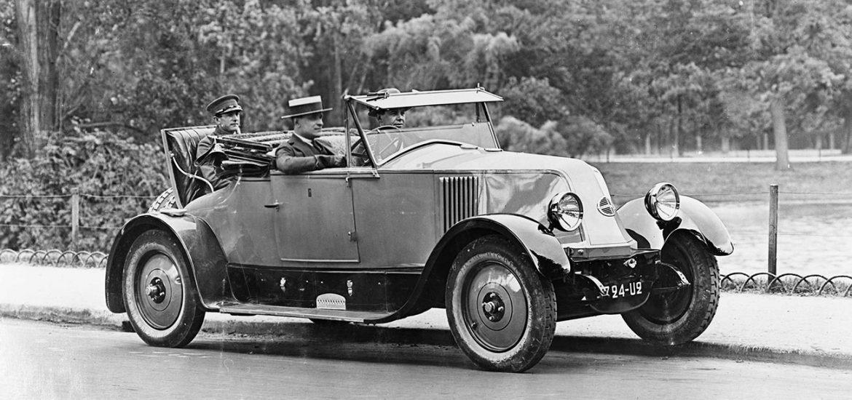 Jubiläum Renault 10 CV
