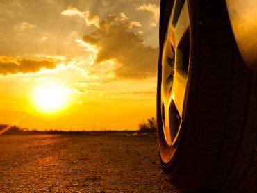 Blendende Aussicht: Fahrtipps bei tiefstehender Sonne