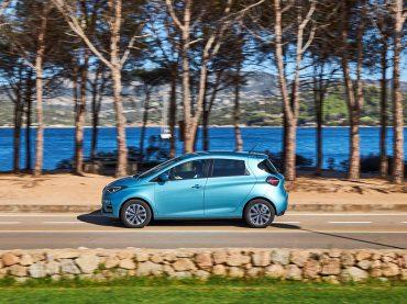 Auto Trophy: Leser küren Renault ZOE zum Sieger