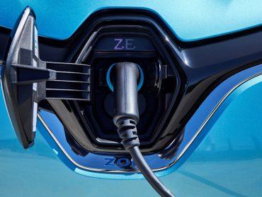 Schnellladen im Elektroauto: ZOE jetzt mit CCS-Ladesystem