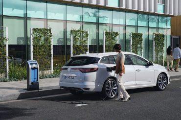 Renault MEGANE Plug-in Hybrid: modernes Interieur und jede Menge Platz